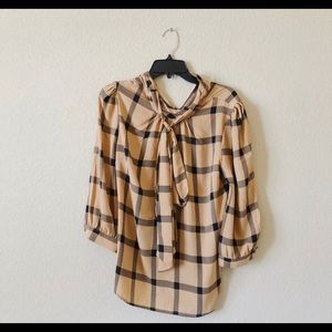 Tie blouse amazing condition